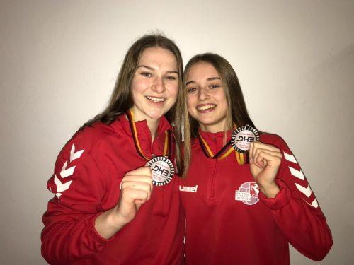 Mia Ziercke (rechts) mit Yasmin Friesen, Foto: privat